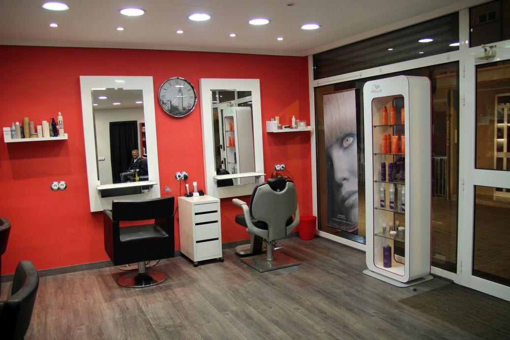 plano general sillas caballero de la peluquería Coronado en Hospitalet